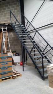 Escalier neuf de plateforme sur Angers dpt. 49 -Maine et Loire